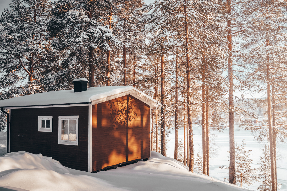 Sfeervol overnachten in Lapland is een van de redenen om hierheen op vakantie te gaan